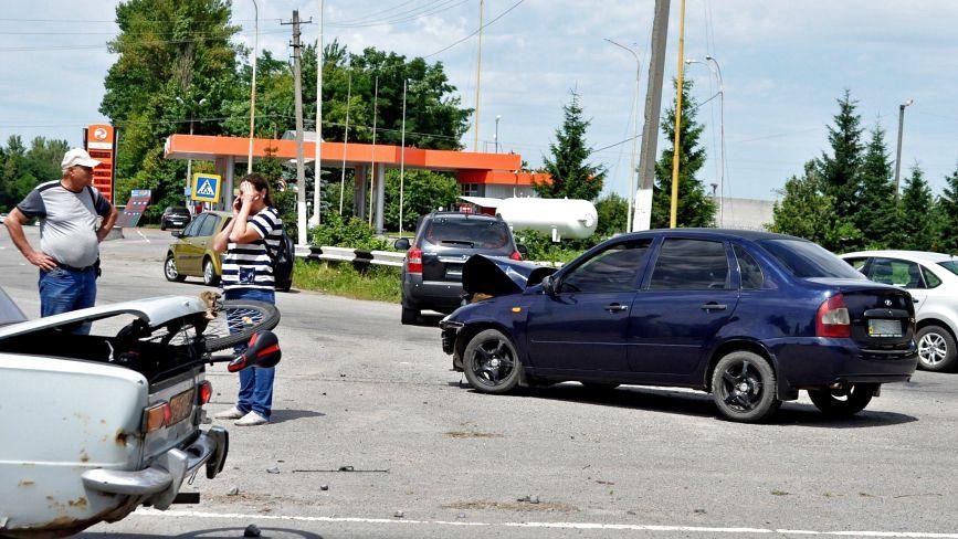 На Махнівському перехресті  зіткнулися Hyundai та Lada