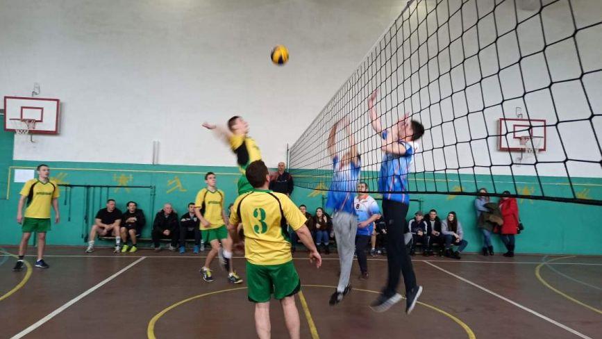 Територіальні громади грали у волейбол: хто увійшов до півфіналу?