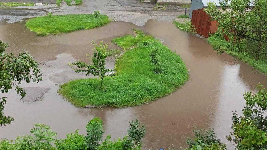 Козятин сьогодні: місто залило дощем