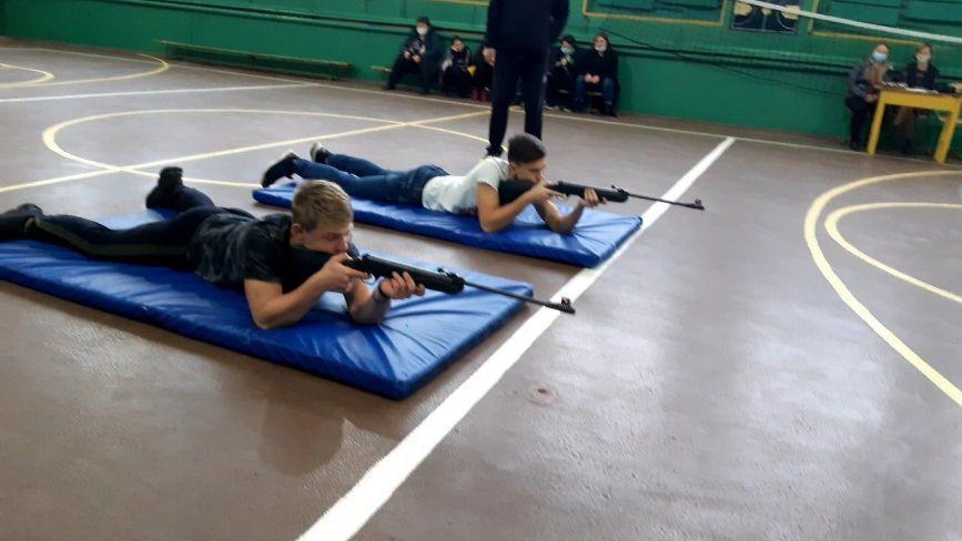 «Нумо козаче!» В Глухівецькій школі змагалися майбутні захисники України