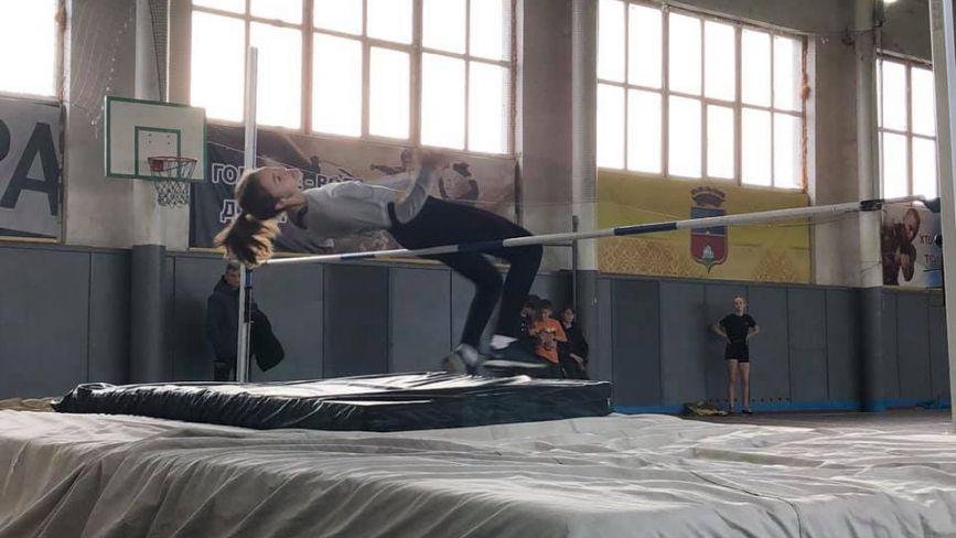 Козятинські стрибуни у висоту  привезли з Василькова вісім нагород