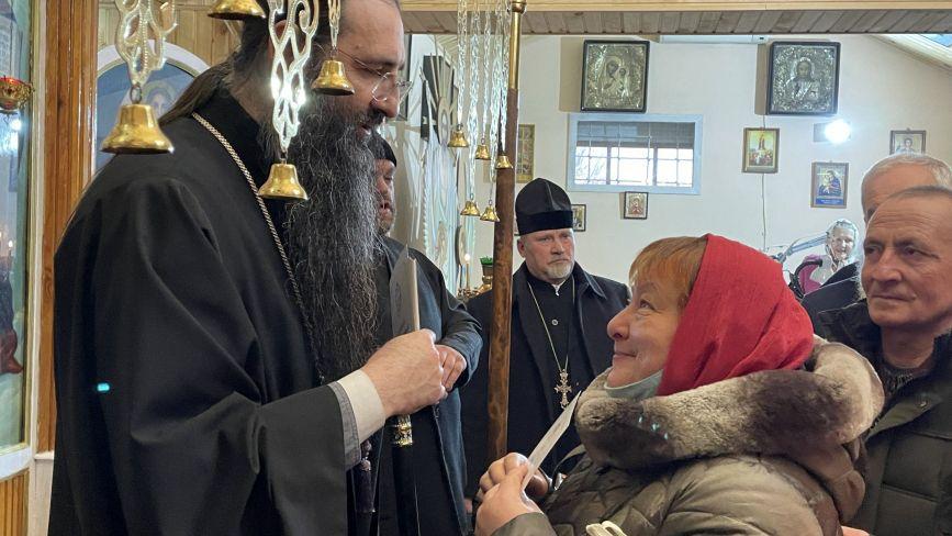 Вєчірнє богослужіння та колядки: Козятинщину відвідав Митрополит Вінницький і Барський Варсонофій