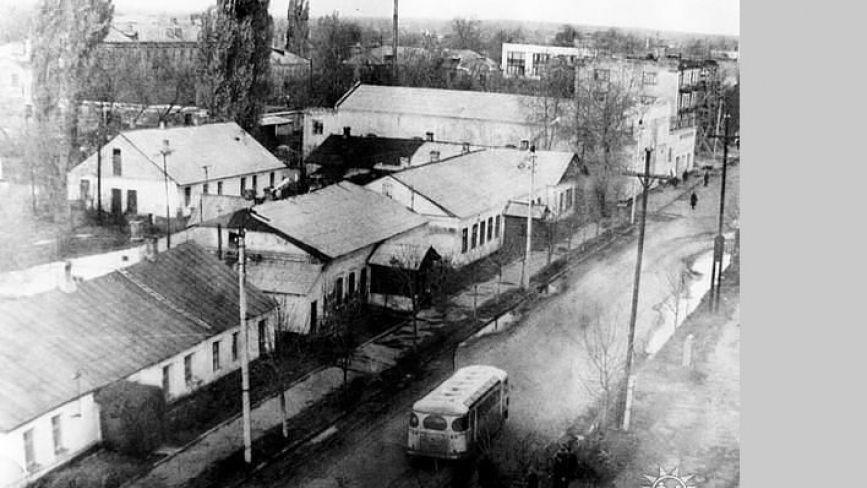 Як змінювалася головна вулиця міста впродовж років