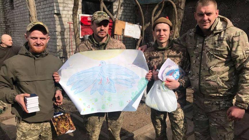 «Ви привозите нам частинку дому, затишку»: воїни з передової отримали допомогу від козятинчан
