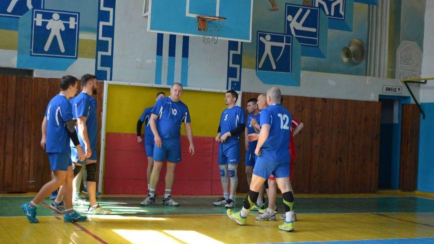 Як зіграли козятинські волейболісти у першому турі турніру аматорів чемпіонату ВФСТ «Колос»
