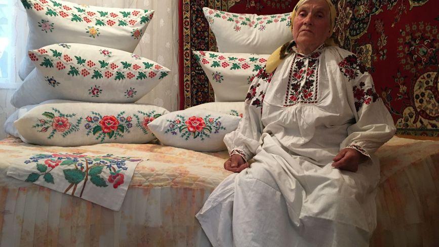 Як у давнину на Козятинщині сорочки вишивали