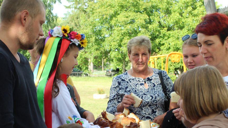 На 409-ту річницю села Махаринець більше 80-ти жителів села отримали подарунки