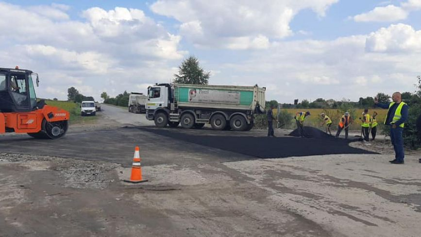 Відремонтували дорогу у напрямку Жежелів-Глухівці-Пляхова