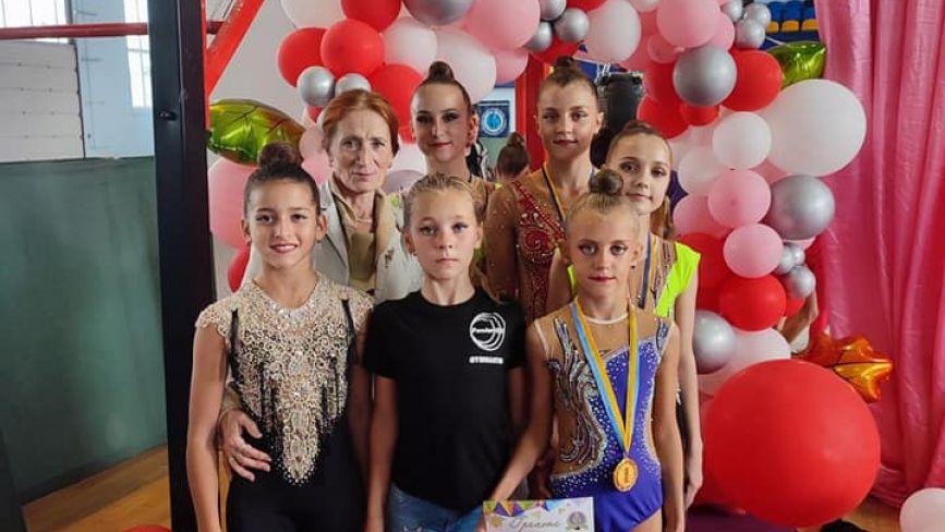 Козятинські юні грації привезли з чемпіонату області 9 медалей