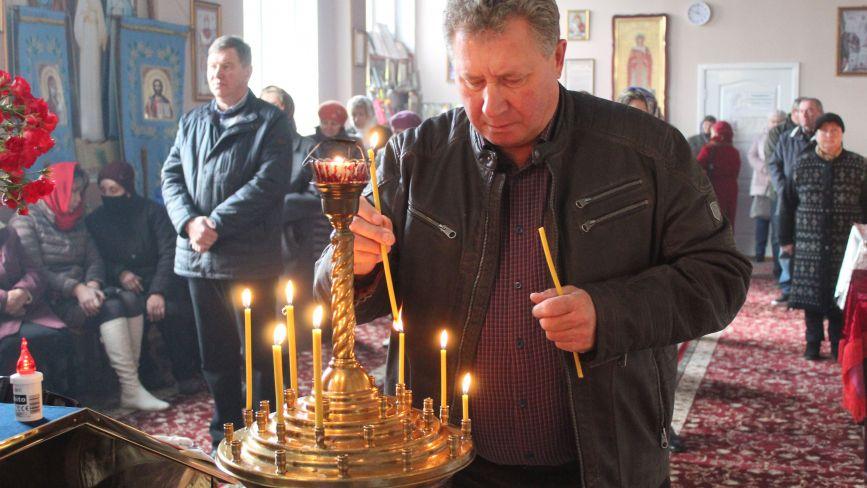 Церква Покрови відзначила 17-річчя: помолилися за мир в Україні і освятили храм