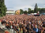 Центральна площа у неділю зібрала мешканців на забаву