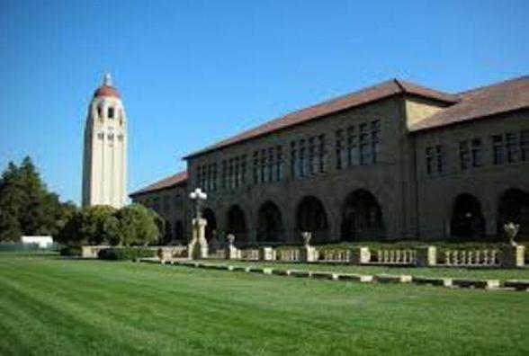 Стенфорд пропонує стипендію в $70 000 українським реформаторам