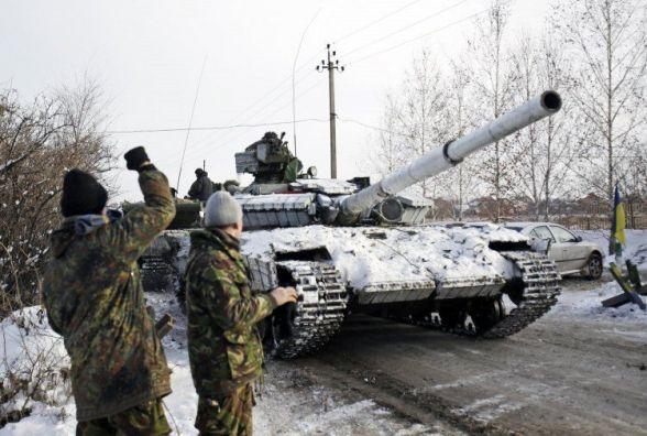 Ситуація в АТО: Шестеро військових поранені, окупанти не відмовляються від агресивних планів (КАРТА)