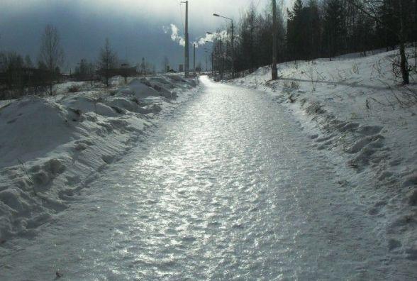 Жителі села Махнівка потерпають від снігу та ожеледиці