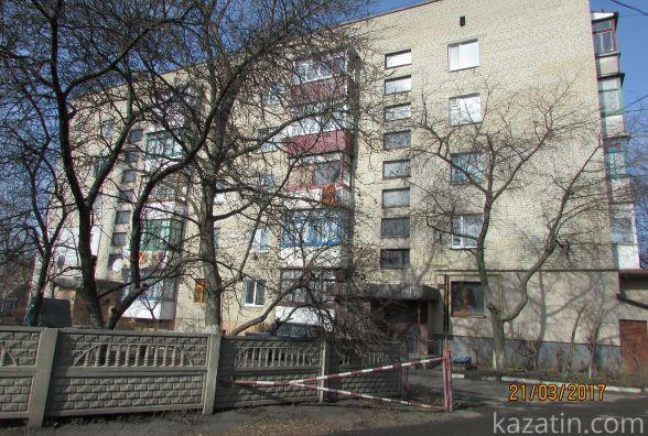 Мешканці будинку по Котовського, 3 другий день сидять без світла