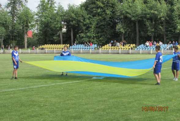 """Футбол на стадіоні """"Локомотив"""""""