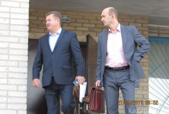 Голова районної ради Козятина  Віктор Слободянюк закон і громаду зневажає.Діє злочинно.