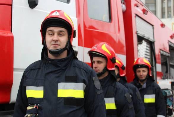Замість техніки 70-х: вінницькі пожежники отримали п'ять новеньких машин