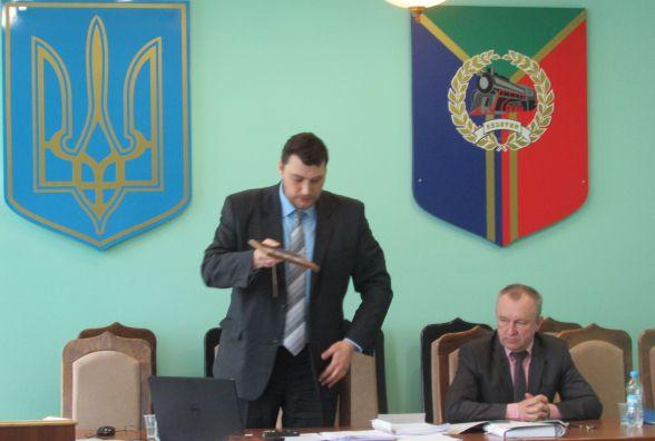 Фото і відео-репортаж останнього депутатського засідання
