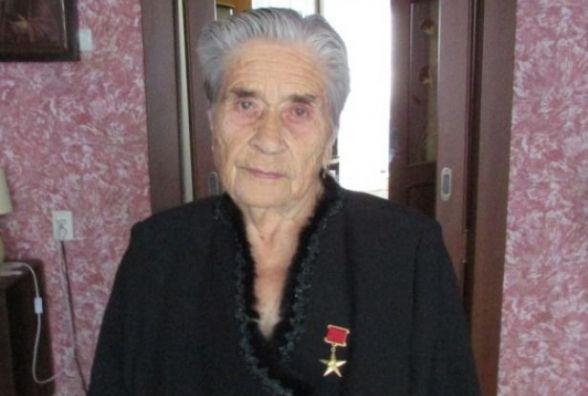 Почесній довгожительці Яніні Івановій — 88!
