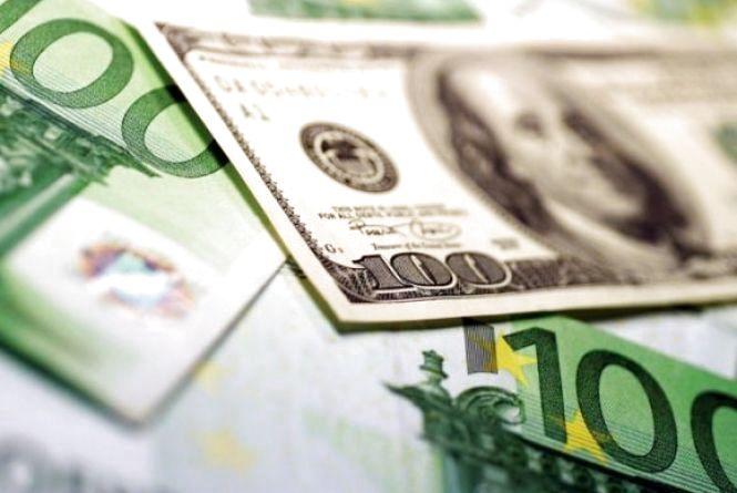 Долар та євро продовжують рости - курс НБУ на 15 січня