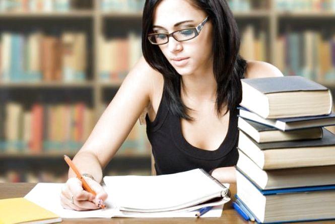 До ЗНО з української мови і літератури можна підготуватися онлайн