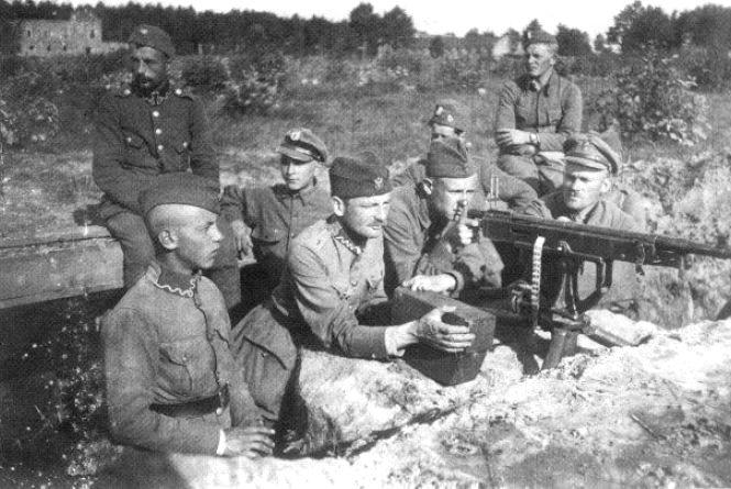 25 квітня 1920 року.Гриміла війна в Козятині .Як і зараз за те саме що і тепер. Посприяв Влад Лісовий