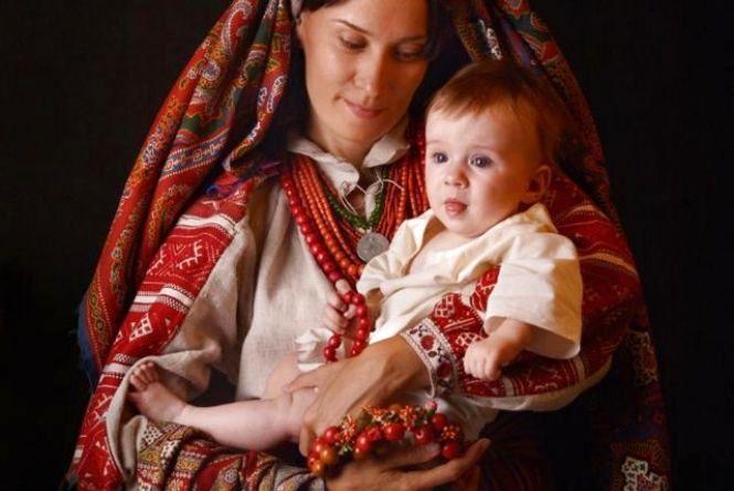 День матері у книжковій скарбниці