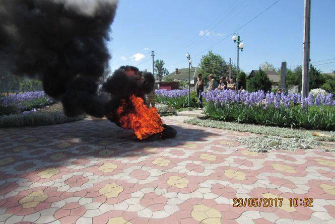 До головихи села Козятин прийшли 50 ветеранів АТО, а вона втекла
