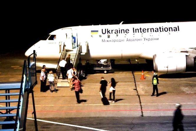 """Вночі з Вінниці у Польщу полетів перший """"безвізовий"""" авіарейс. РЕПОРТАЖ"""