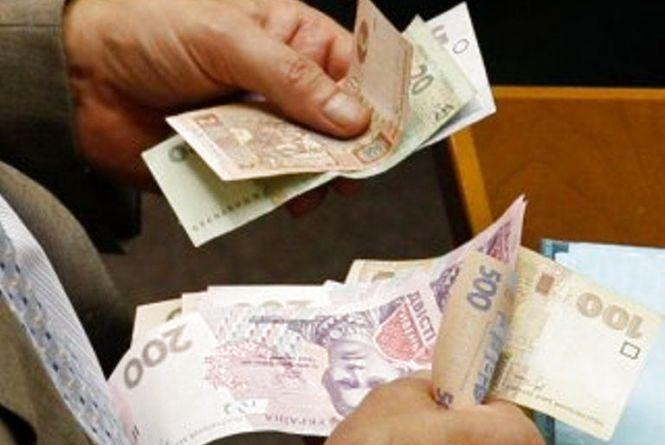 З 1 жовтня підвищать пенсії. Додадуть від 200 до тисячі гривень