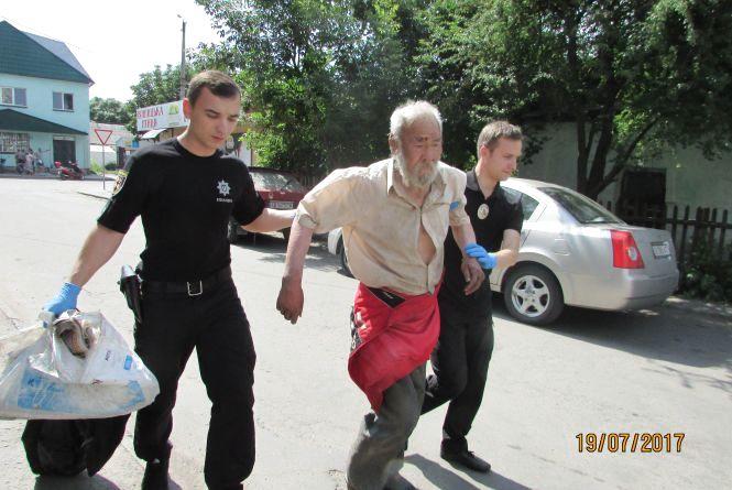 """Поліцейський та журналістський ескорт для """"китайця"""" Ван-Фун-Фу"""