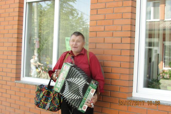 """Недільний концерт біля редакції """"RIA"""" на Незалежності"""