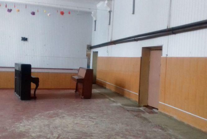 Школа №5 без актової зали
