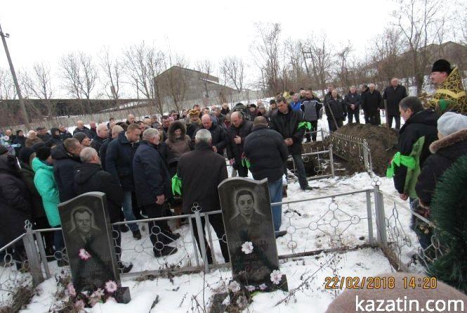 """""""Поправки Лозового"""" і похорон в Україні: чому не відбувся колапс з видачею тіл небіжчиків?"""