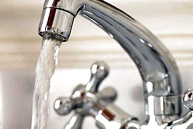 Влада відповіла, як турбується про водопостачання