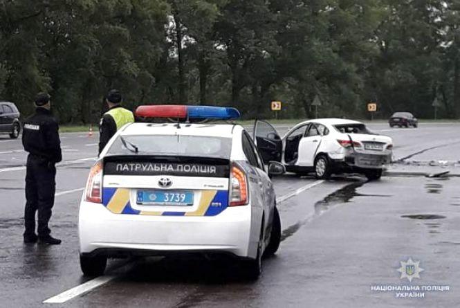 Смертельна ДТП біля Калинівки: двоє загиблих, троє постраждалих