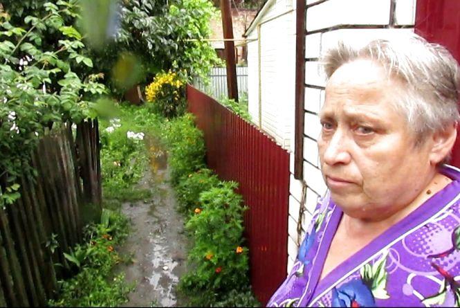 Не захищена перед стихією пенсіонерка шокована