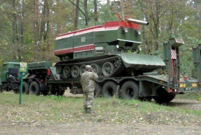 Вибухи на Чернігівщині: для ліквідації наслідків аварії вже відправили пожежні танки (ФОТО, ВІДЕО)
