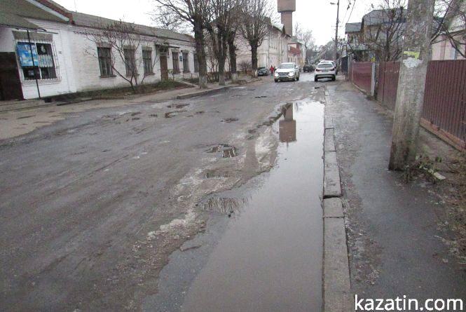 Найнещасніші: вулиці Джерельна та Винниченка без догляду влади
