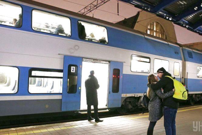 Укрзалізниця відкрила продаж квитків до 20 грудня