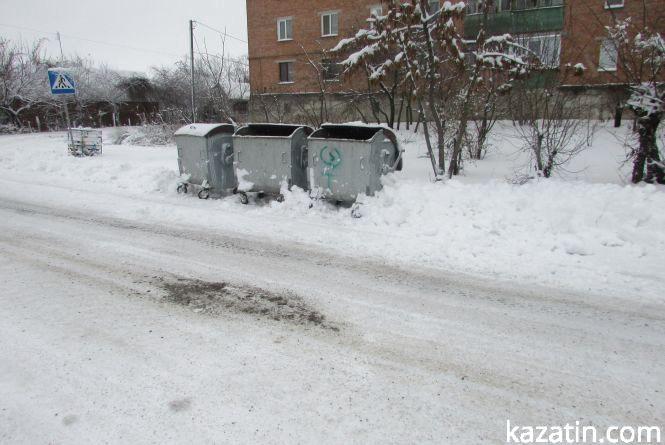 Сніжний колапс — як комунальники горнуть сніг