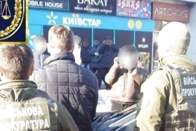 У Вінницькій області на хабарі викрито офіцера поліції