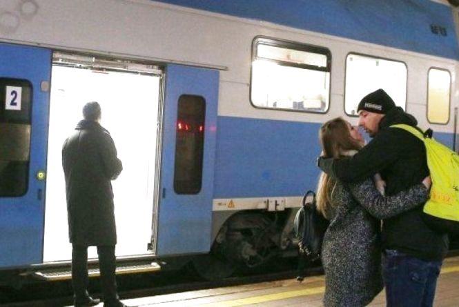 Укрзалізниця почала призначати додаткові поїзди до 8 Березня