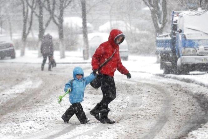 З понеділка в Україну  увійде циклон з мокрим снігом і дощем