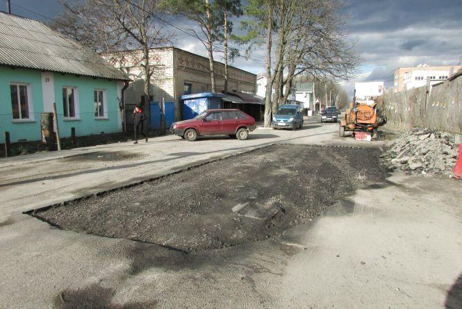 Місто сьогодні — сміття та ремонт по-козятинськи