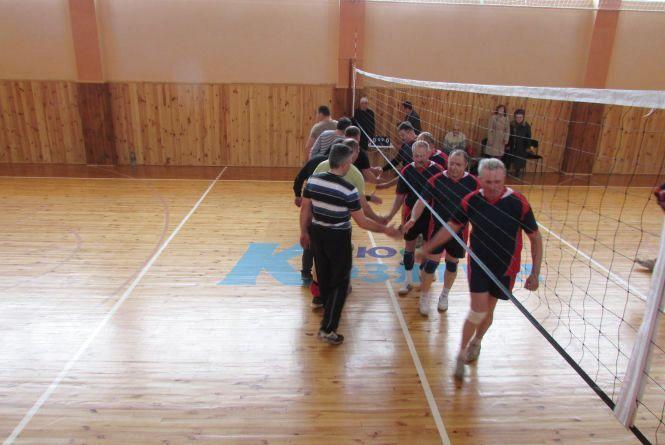 На турнірі пам'яті лікаря Свириденка перемогли ветерани Козятина