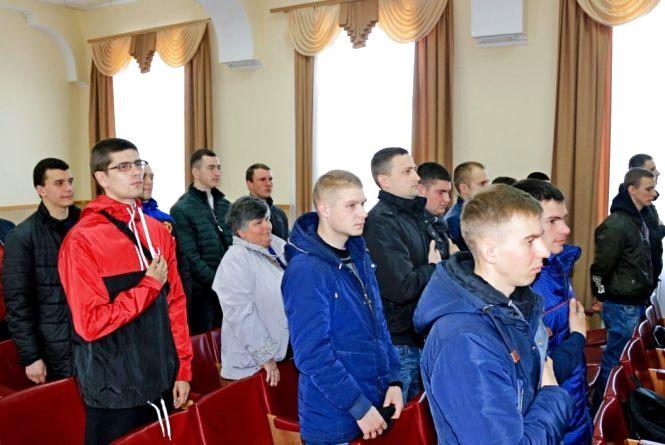 Проводжали в армію: 24 козятинчанина приєднаються до захисту Батьківщини