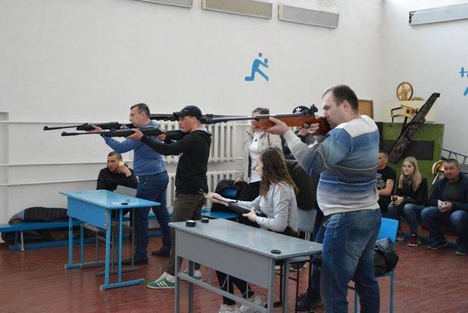У Козятинському училищі стріляли та грали у теніс: хто переміг?