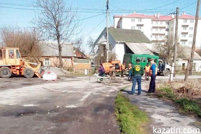 Фото дня: ремонтують вулицю Стуса